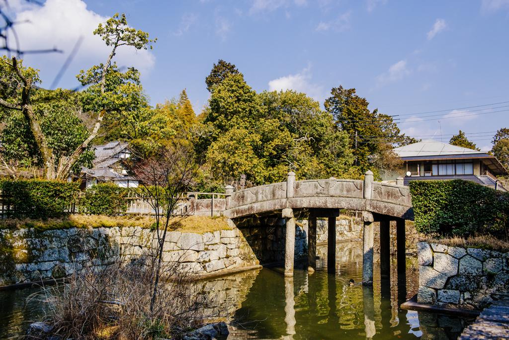 護法社(護法善神堂)石造橋