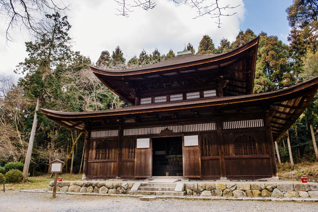 Помещения Иссайкё-дзо(зал Кё-дзо) и Хаккакурин-дзо храма Ондзё-дзи
